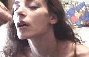 Չեխ կարմիր Լինդային քաղցր են հասարակական սեքս տեսանյութեր դրել բերանում երկու անցքերի մեջ ։